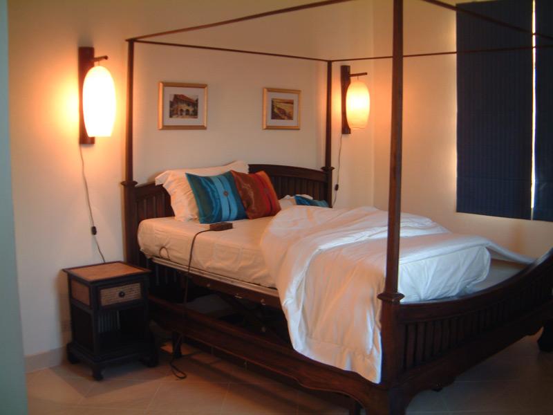 pool-villa-coconut-bedroom-1