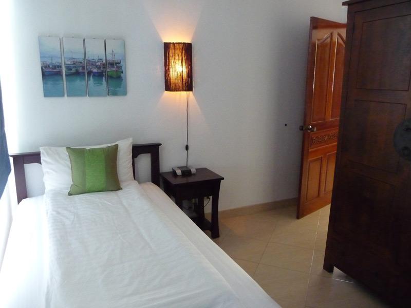 pool-villa-coconut-bedroom-2