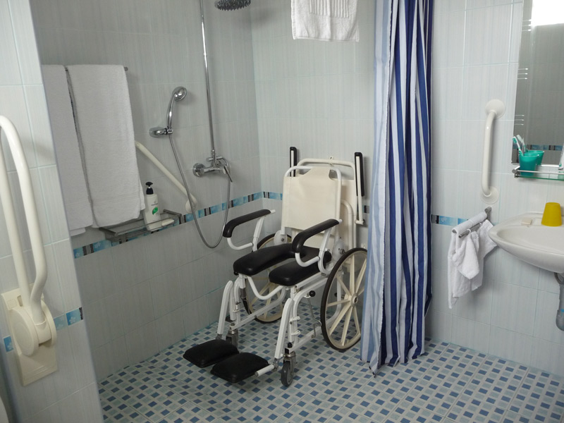 pool-villa-coconut-equipment-shower-wheelchair