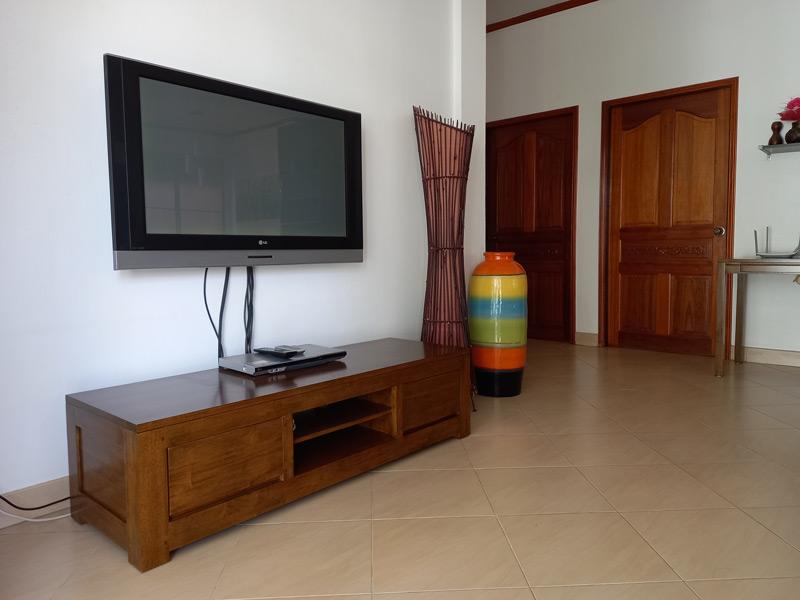 pool-villa-coconut-tv