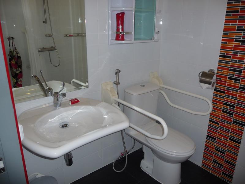 pool-villa-si-daeng-bathroom-1