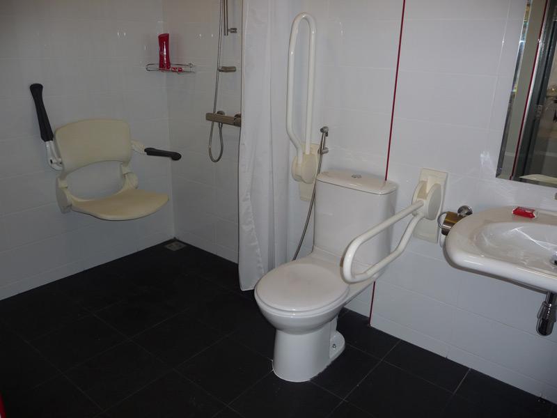 pool-villa-si-daeng-bathroom-2
