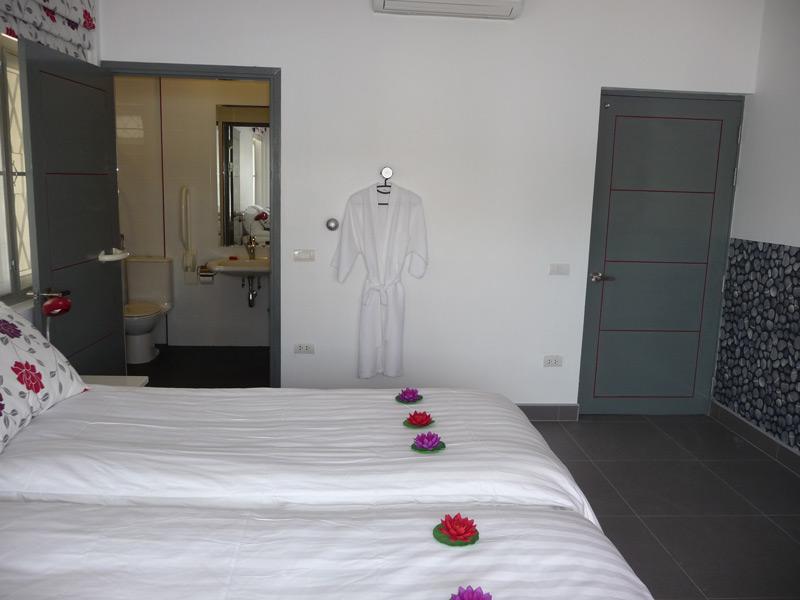 pool-villa-si-daeng-bedroom-1-v2