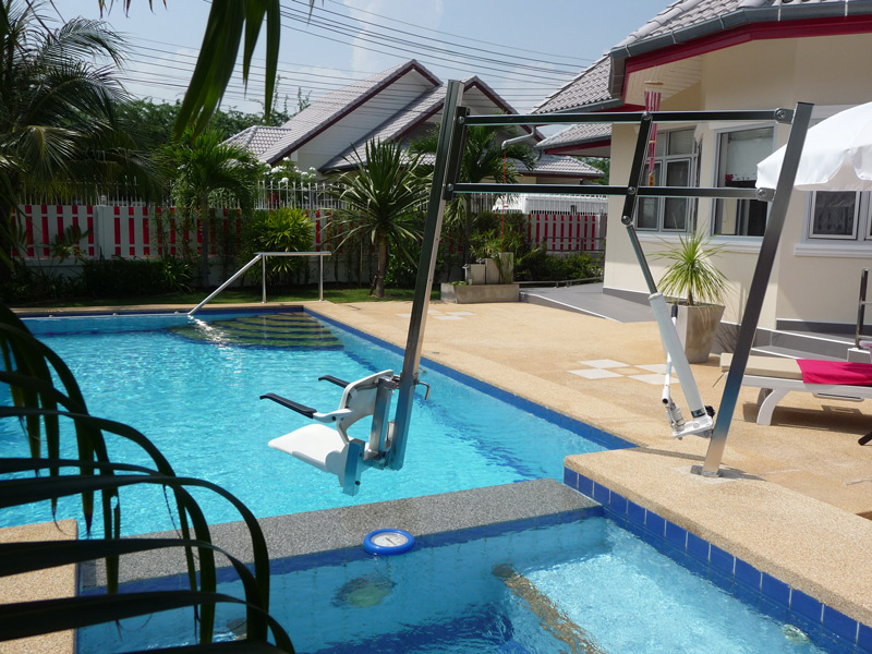 pool-villa-si-daeng-equipment-pool-chair-hoist