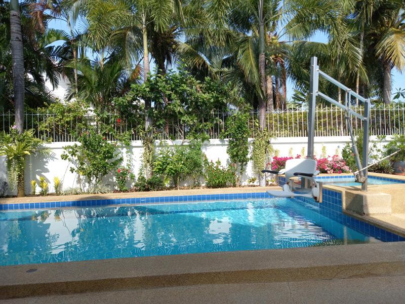 hua-hin-pool-villa-coconut