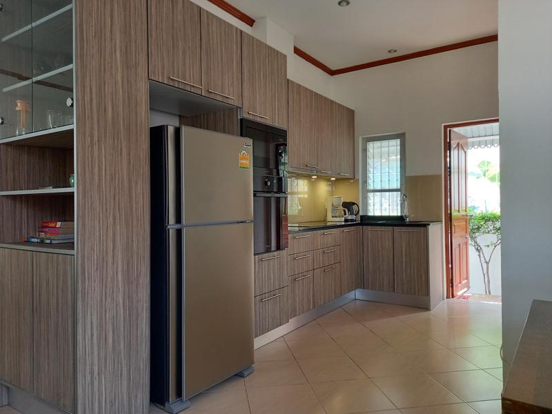pool-villa-coconut-kitchen
